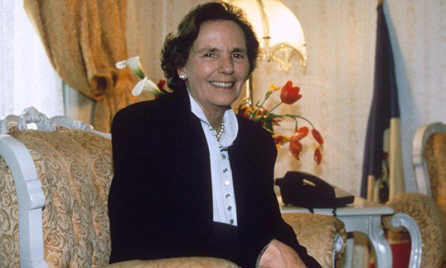 Queen Anne, the former Queen of #Romania - the Royal House abolished and forced to abdicate in 1947 after the post-war #Communist takeover - has died in a Swiss hospital aged 92. She will be buried in the New Cathedral in the Romanian city of Curtea de Arges. (1 August 2016)