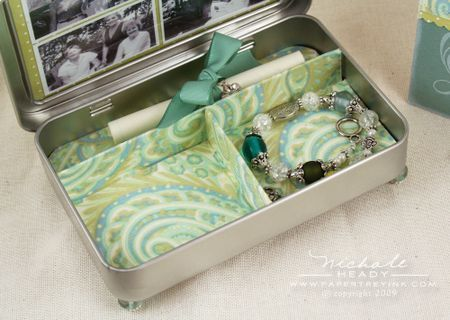Jewelry box from an Altoid tin - and many other Altoid tin crafts.