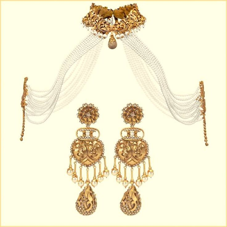 A conceptual pearl and gold necklace designed & created by designer Suneet Verma for Azva. How to style conceptual jewellery for your wedding, get a stylist to style your wedding look - Bridelan, website www.bridelan.com
