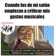 see ellos viven a puro reggaeton, no saven apreciar la guena musica electronica y el rock >:v