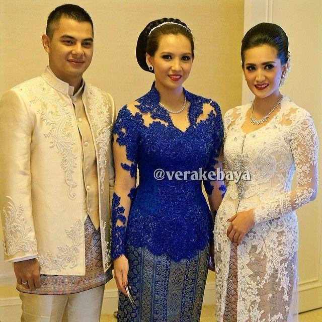 #wedding #weddingday #pengantin #makeup #makeupartist @upan_duvan #beskap #kebaya #weddingdress #lace #beads #swarovski #tenun #songket #verakebaya ...❤️❤️❤️