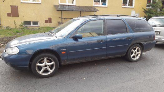 Ford Mondeo 2.0i - 1