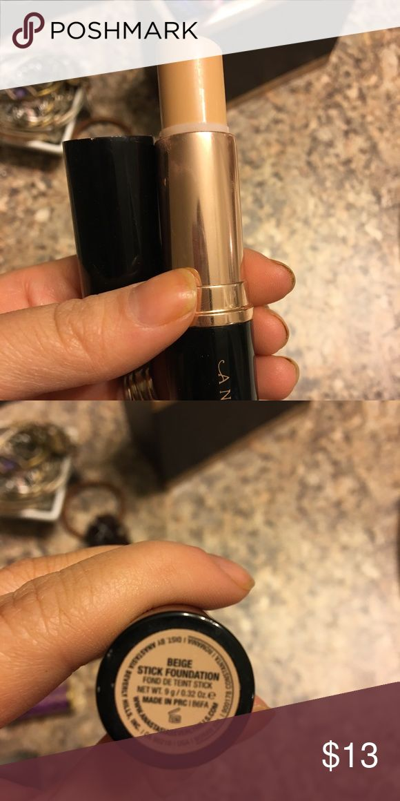 Used Anastasia Beverly Hills Foundation Stick Used but still product left. Shade is Beige. Purchased on here Anastasia Beverly Hills Makeup Foundation