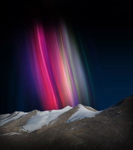 Aurora Australis  IAustralis are lots of pinks and ambers, whereas the Borealis are mostly greens and blues