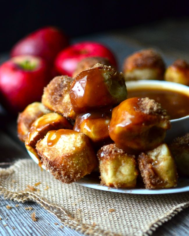 Apple Cinnamon Pretzel Bites with Caramel Dipping Sauce - Yammie's Noshery