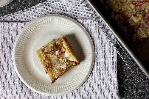 rhubarb snacking cake