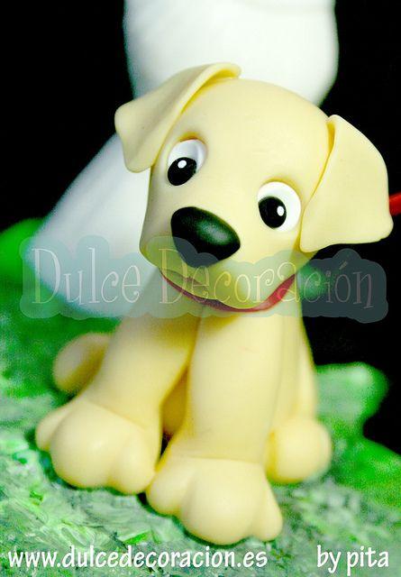 Novios personalizas forofos Barça - Espanyol Con perrito Labrador by Dulce decoración (modelado - tartas decoradas), via Flickr