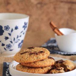 Μπισκότα με μέλι και κομμάτια σοκολάτας & ...