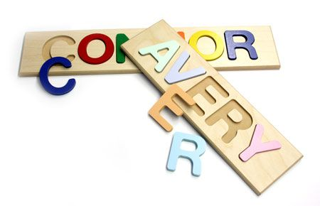 Personalized Name Puzzle... this site has tons of great toys!