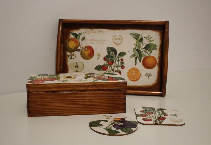 Komplet owocowy decoupage: taca, pudełko i podkładki