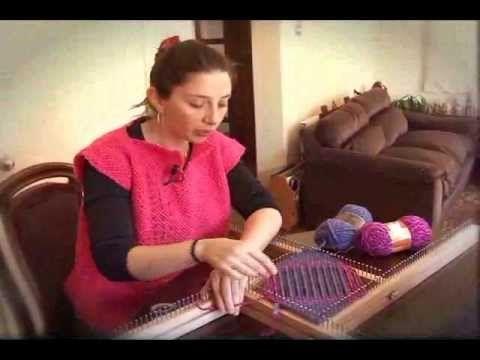 Dale color a tus cojines con esta sencilla y práctica técnica de tejido a telar. Carolina Cabrera nos enseña en este taller cómo dar a tu casa un toque único...