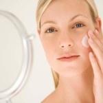 Curare la pelle con la crema a base d'olio di Emu ed aloe