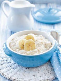 Porridge de flocons d'avoine coco, banne, pomme