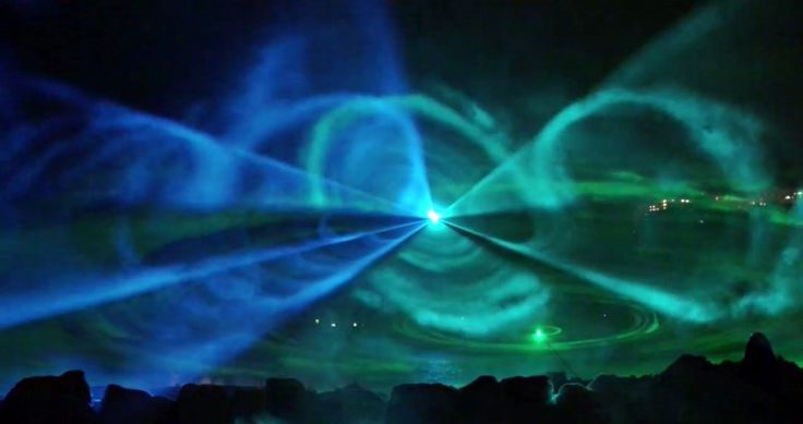 Shiretoko Fantasia is a laser show that attempt to reproduce the Aurora in Hokkaido.