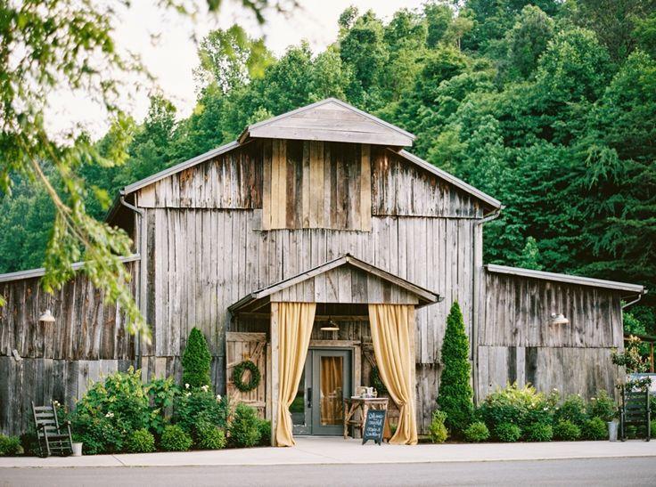 The Barn at Chestnut Springs Tennessee Wedding Jophoto Via Mountainsidebride Com