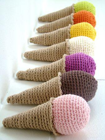 FREE Ice Cream Cone Crochet Pattern / Tutorial