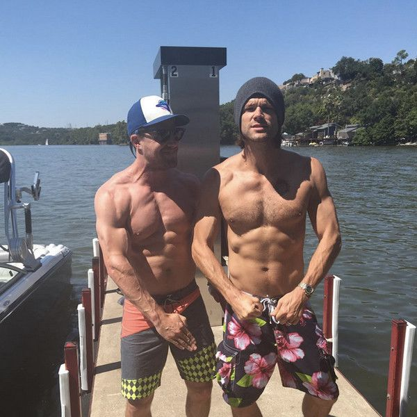 Holy Hotness! Shirtless Stephen Amell and Jared Padalecki Display Their Six-Pack Abs for a Good Cause | E! Online Mobile