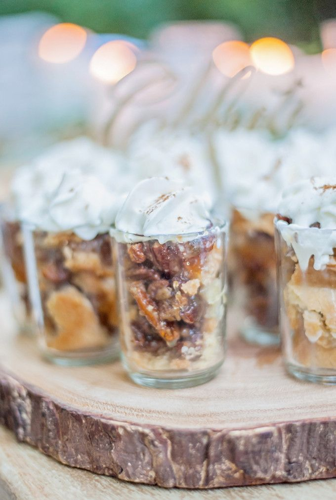 Rustic Thanksgiving DIY Southern Pecan Pie Shooters. Click through for the details. | glitterinc.com | @glitterinc