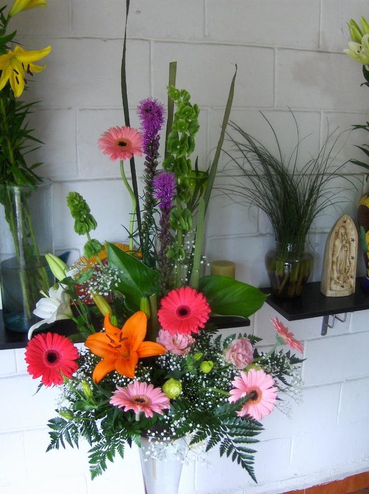 Flores y Plantas, es una forma hermosa y natural de la representación del Elemento Madera en nuestros espacios.