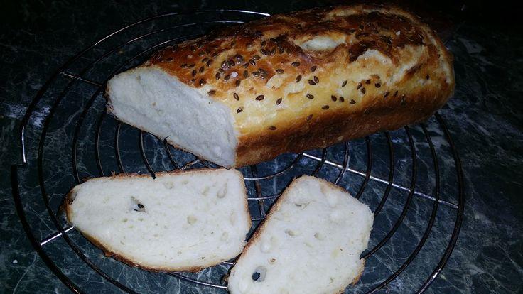 Ma dél körül elfogyott a kenyerünk, nem akartam bagett sütni, mert az nem biztos, hogy mindig elfogy...  Mindenképpen valami gyors kellett. ...