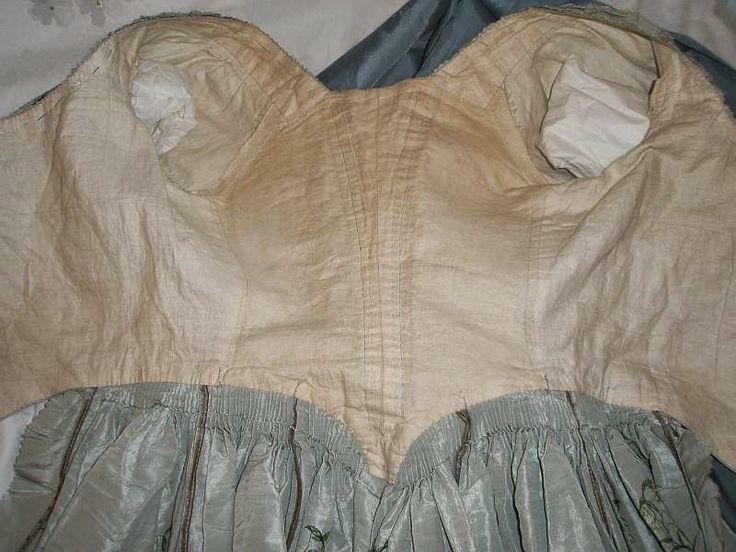 1775 robe anglaise (English, silk, linen)