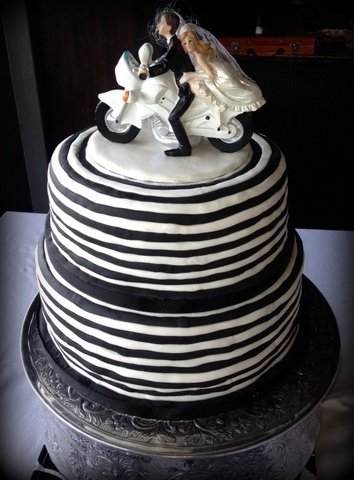 motocross themed wedding cake 14 best images about wedding cakes on novelty 17590