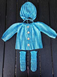 Drutten pysslar: Baby och välgörenhet http://svartahusets.blogspot.se/2011/08/tre-sma-koftor.html för beskrivning