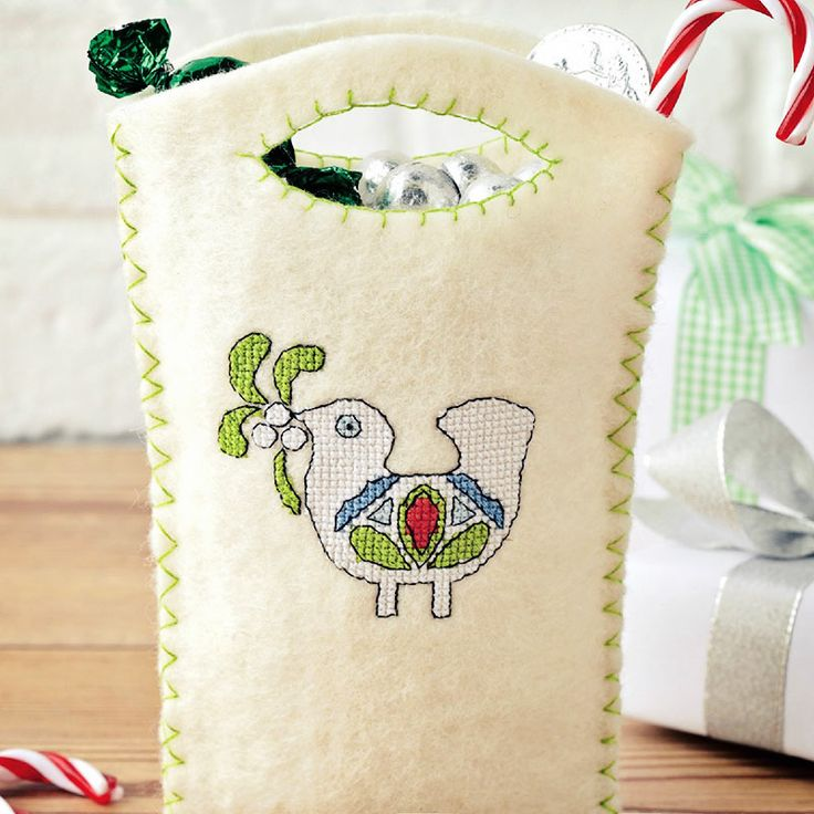 Chrimbo Quick Stitches - Available in CrossStitcher Magazine 273