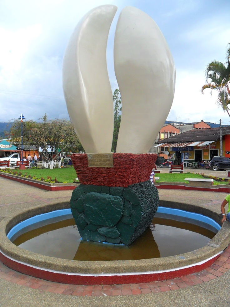 Coffee monument located at the Central Park in Villarica, Tolima, Colombia.    Monumento al café en el parque central de Villarrica Tolima, Colombia.