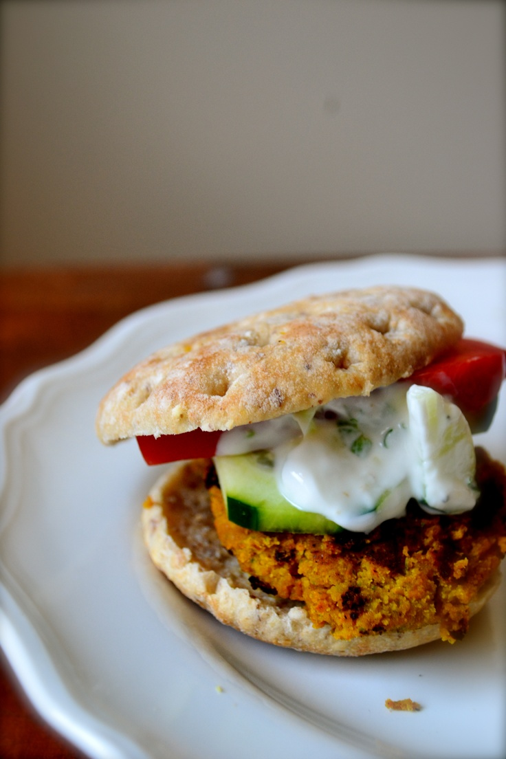 Week 19: Baked curry-spiced falafel sliders by Big Eats, Tiny Kitchen: Bad Recipes, Tiny Kitchens, Curry Sp Falafels, Baking Curries Sp, Healthy Recipes, Falafels Sliders, Curries Sp Falafels, Baking Falafels, Parties Food