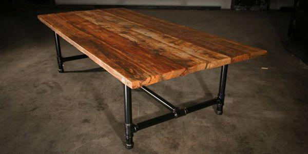 Table tuyaux et vieux bois tuyaux pinterest tables - Comment recouvrir une table en bois ...