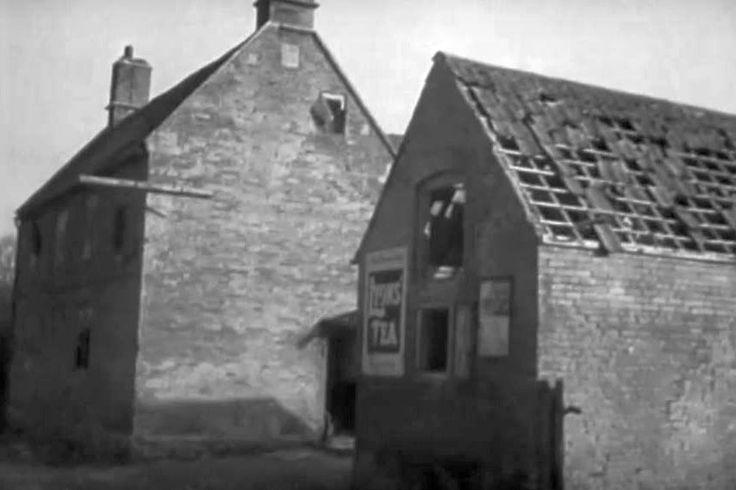 Bell Inn Pub, 1948, the adjacent, smaller, building has been demolished.