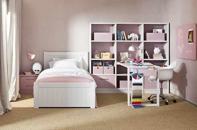 Dormitorio infantil de niña en rosa y blanco