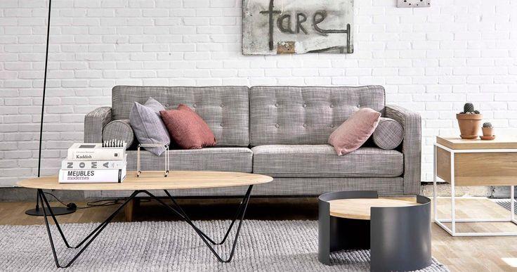 Choisir un canapé n'est pas évident. Faut-il privilégier le confort au design ? Opter pour du cuir ou du tissu ? À quelques jours du début des soldes d'hiver, on fait le point sur les bonnes questions à se poser.