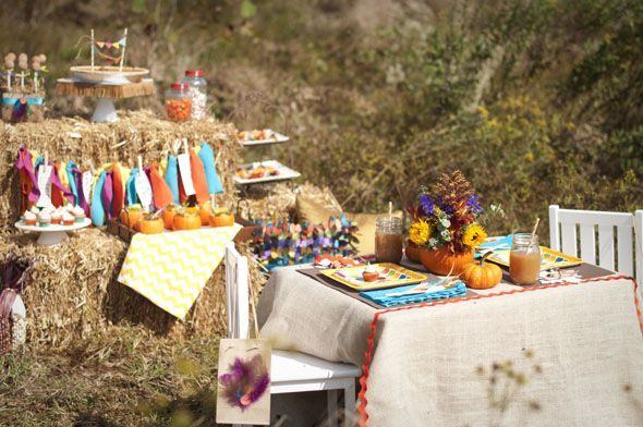 love the outdoor feel!: Thanksgiving Ideas, Fall Ideas, Cute Ideas, Fall Harvest, Thanksgiving Party, Rustic Thanksgiving, Thanksgiving Parties, Birthday Party Ideas, Birthday Ideas