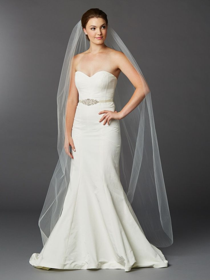 Chapel or Floor Length One Layer Cut Edge Bridal Veil in Ivory