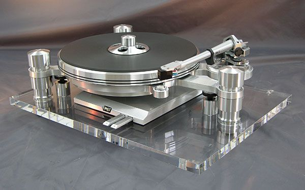 My dream, turntable. The Oracle Delphi MKVI turntable. This one's a real beauty.