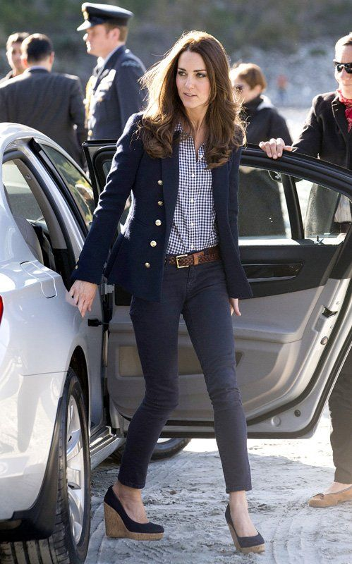 Kate wearing Zara blazer and jeans at the Amisfield Winery in Queenstown, New Zealand on 4/13/2014