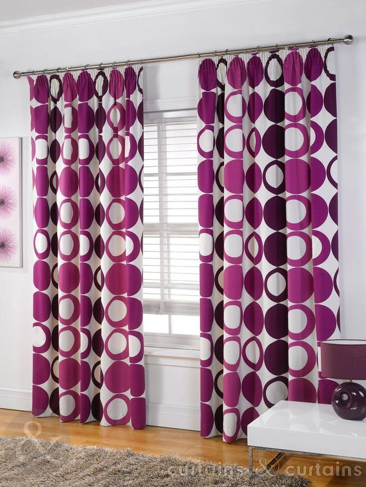 Mix of solid and outlined circles in purple