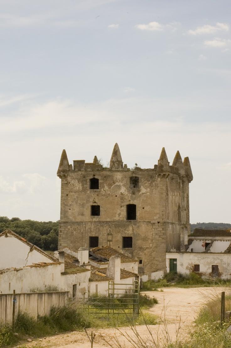 Torre das Águias, Águias, Brotas, Mora, Évora, Portugal. (1520)