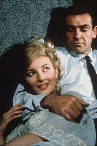 Daniela Bianchi interprète Tatiana Romanova dans Bons baisers de Russie en 1963.    Son James Bond ? Sean Connery.