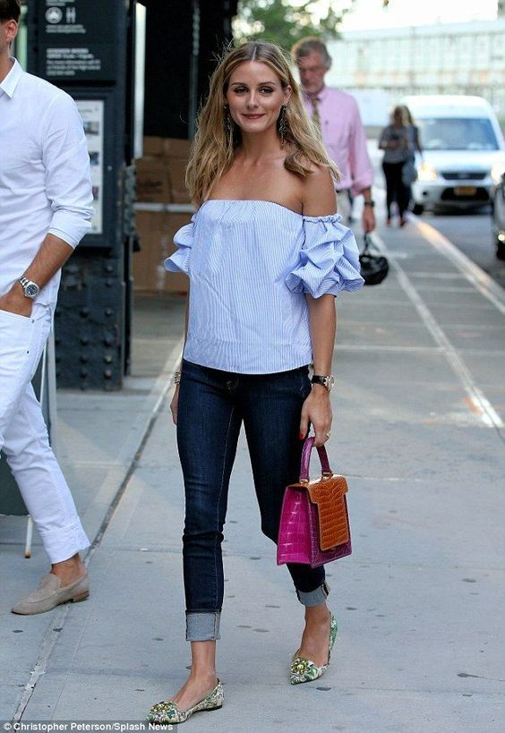 LOVE this summer outfit! Skinnies, off-the-shoulder top, pink bag!