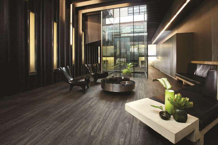 pri pohľade na túto realizáciu nám padá zra nielen na dokonalý architektonický návrh ale aj na tú nádhernú vinylovú podlahu. www.dizajnovepodlahy.sk
