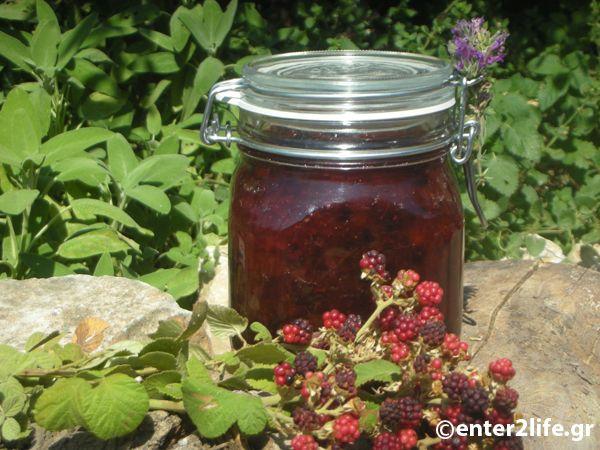 Μαρμελάδα Ροδάκινο με Βατόμουρα και Λεβάντα  - Jam with Peach, Blackberries and Lavender http://www.enter2life.gr/wp/26114-marmelada-rodakino-me-vatomoura-kai-levanta.html