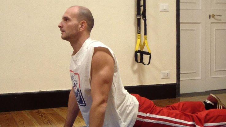 Esercizi posturali per rinforzare i muscoli della schiena.