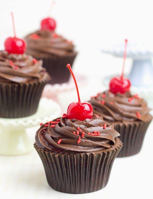 Cupcakes de chocolate negro con cereza y ¡¡¡nuevo libro!!! - Objetivo: Cupcake Perfecto.
