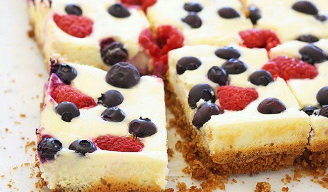 Un desert dulce si delicios, cu fructe din plin!