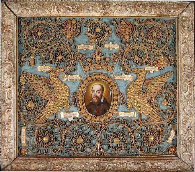 antique quilling-- St François de Sales. Visitation XVIIème. The detail is amazing!