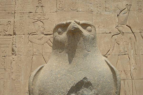 Egipt | Posąg Horusa