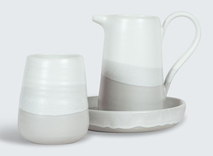 Stunning ceramic collection in Whizz Fizz with a hand-dipped glaze by Brooke Thorn. These beautiful pieces are hand-thrown on the potters wheel.